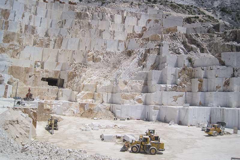 Building stone quarry