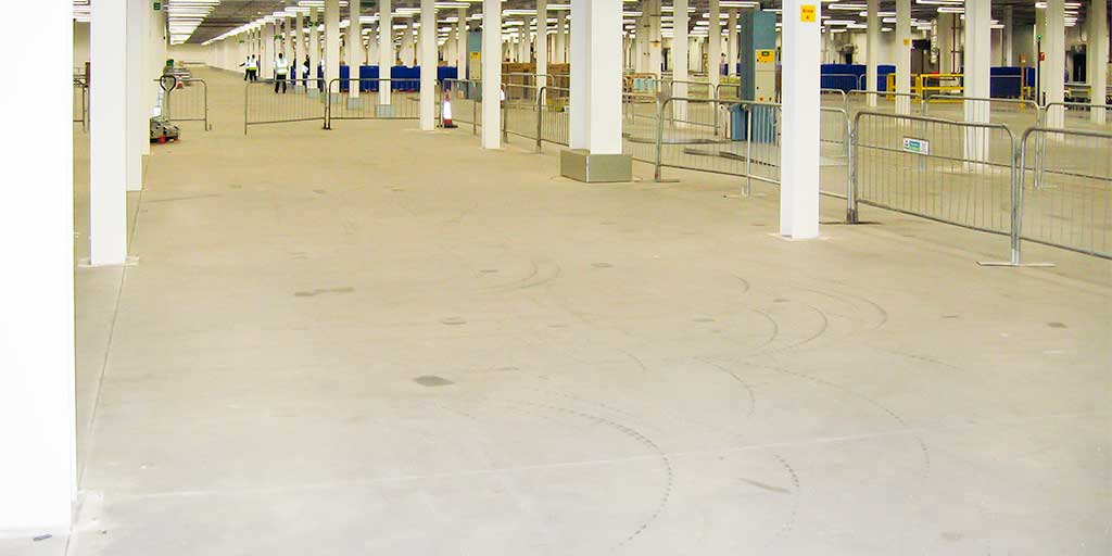 Ground bearing concrete floor in large industrial unit